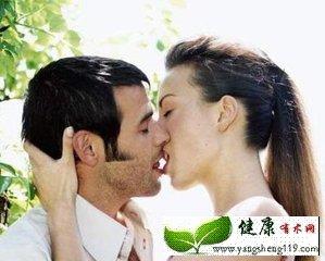 男人的恋爱史可以从接吻中了解